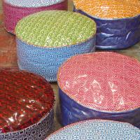 poufs multicolore en toile plastifié